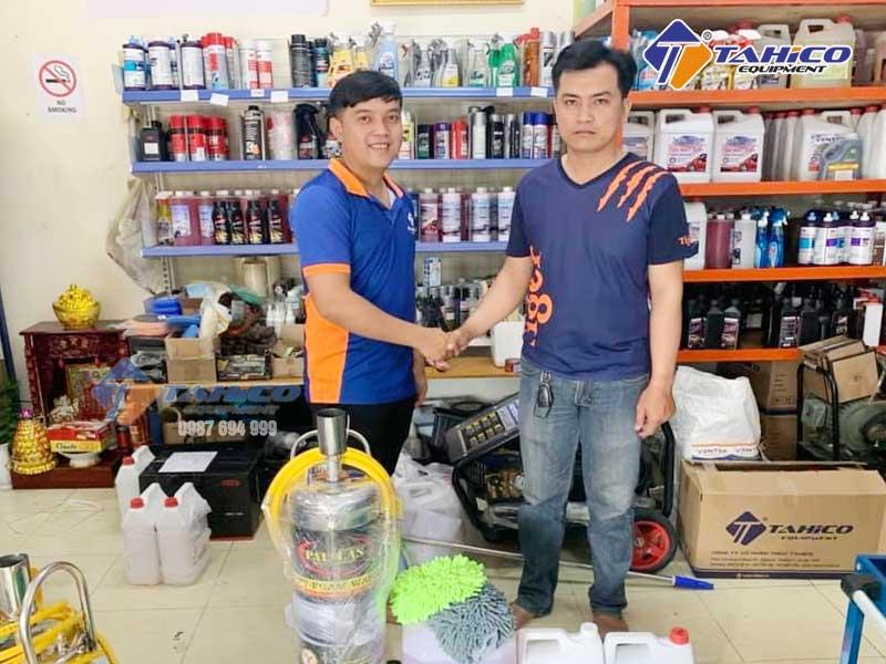 Công ty TAHICO chuyên bán các loại dung dịch rửa và chăm sóc xe