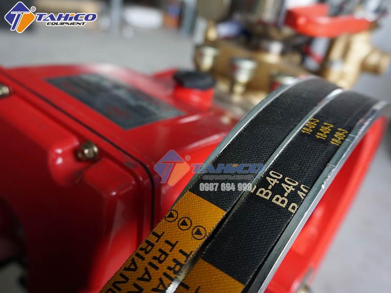 dau-bom-5-hp-cua-may-rua-xe-day-dai-2