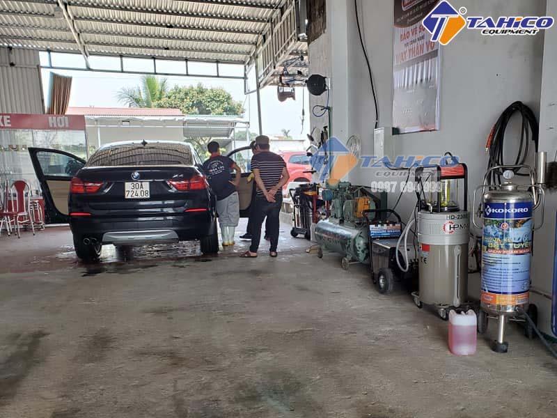 TAHICO chuyên cung cấp máy hút dầu thải cho tiệm rửa ô tô