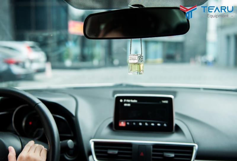 Nên treo tinh dầu trong xe với mùi tạo sự sảng khoái