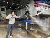 Rửa xe dễ dàng với cầu nâng TAGORE