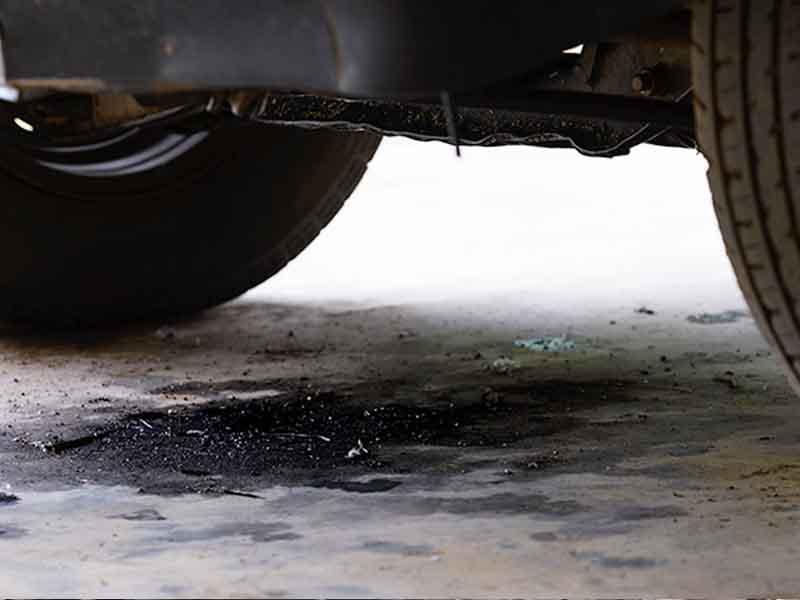 Loại mùi cháy trên xe hơi – Nguyên nhân và giải pháp