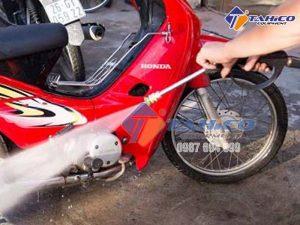 Vòi rửa xe tăng áp
