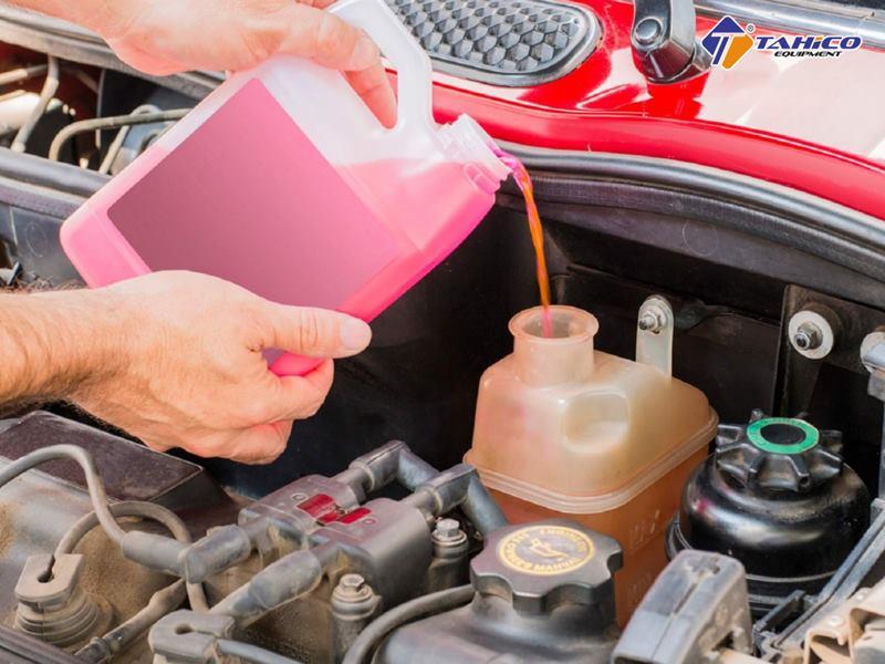 Dùng dung dịch làm mát động cơ xe cần lưu ý nhiều điều