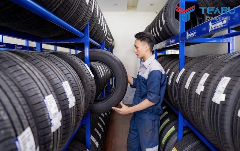 Với những lốp xe sản xuất trước năm 2000