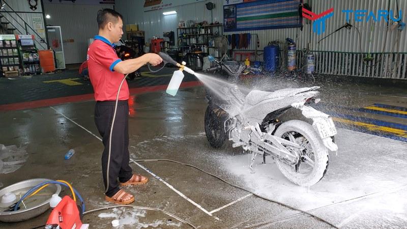 Kết quả thử nghiệm cho thấy máy rửa xe gia đình có thể rửa không chạm