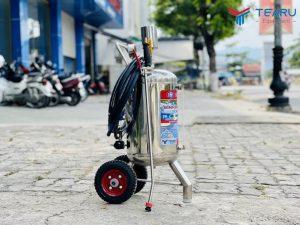 binh bot tuyet rua xe okazune 20 lit 4