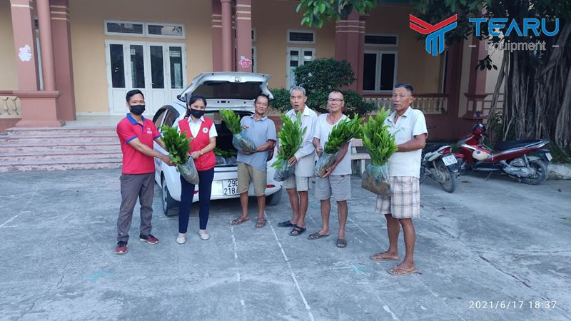 Công Ty TEARU tặng 1200 cây keo giống cho thôn Động Phí, xã Phương Tú, huyện Ứng Hòa, Hà Nội