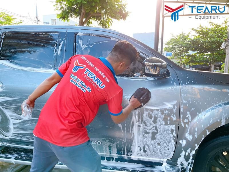 Dụng cụ lau rửa xe