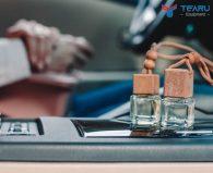 Nên dùng nước hoa hay tinh dầu treo xe ô tô?