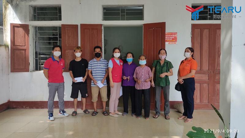 TEARU trao quà cho 30 hộ nghèo xã Phương Tú, Ứng Hòa, Hà Nội